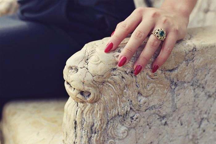 Countess de Morodan and her Cristea ring
