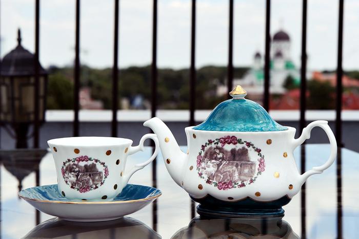 Close ups on Ana's Tea Set
