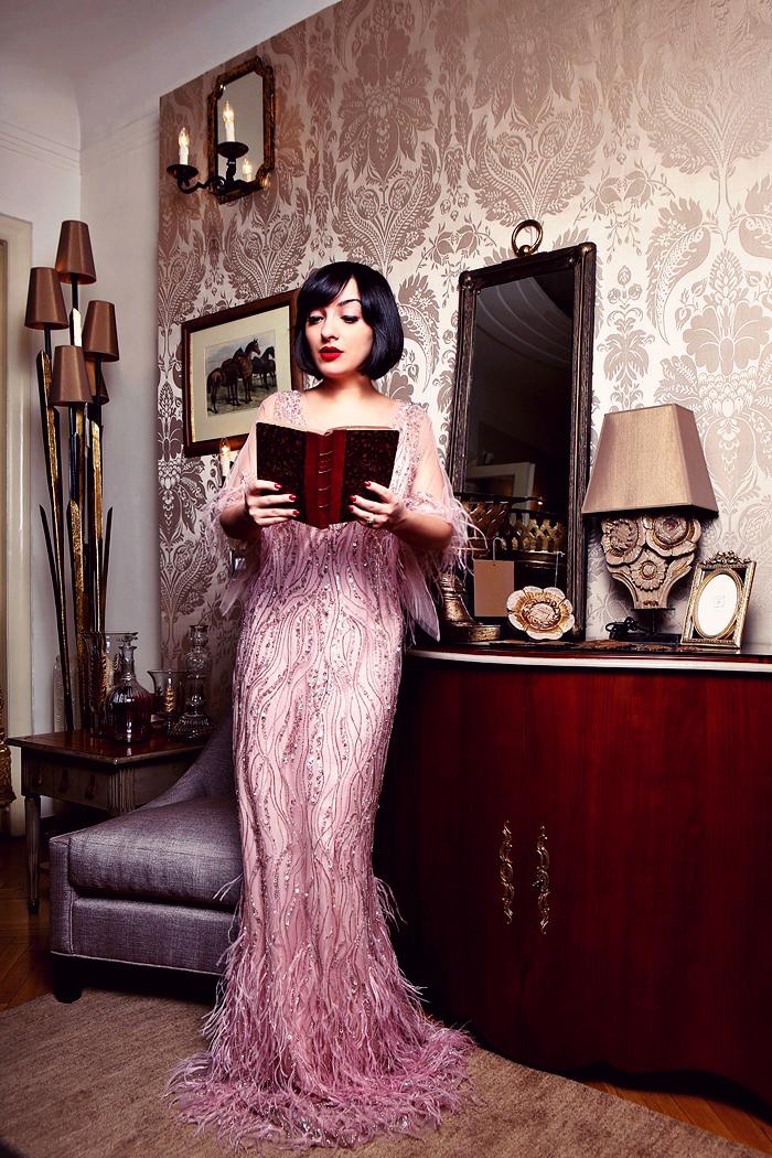 morodan reading at La Maison