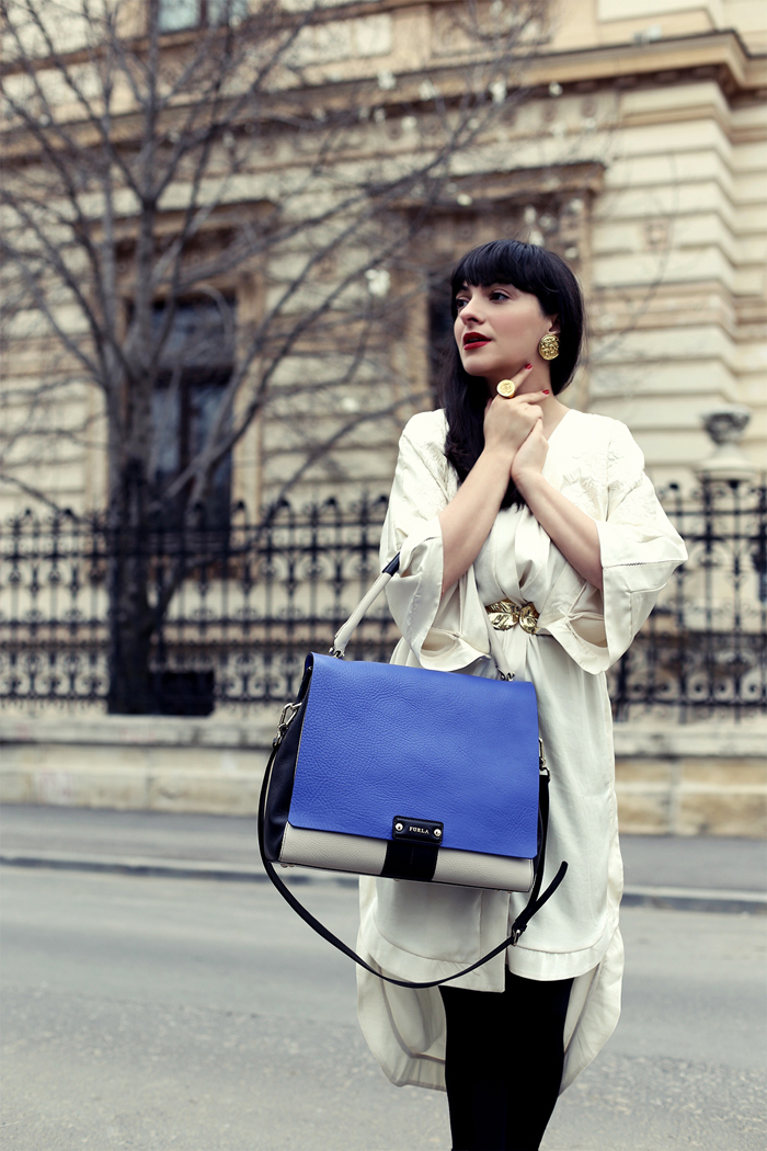 Ana-and-the-IT-Bags-in-town4