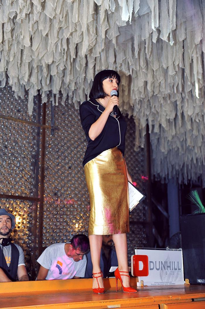 Ana-presenting-Joy-Mag-event