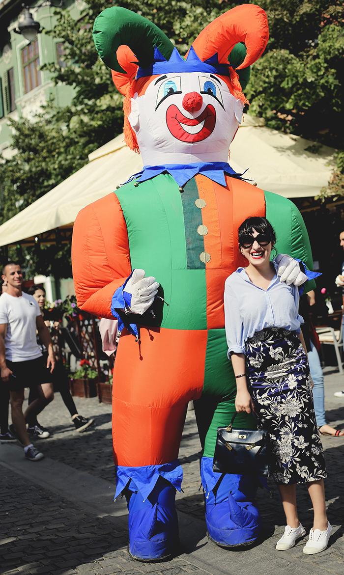 ana and a huge clown