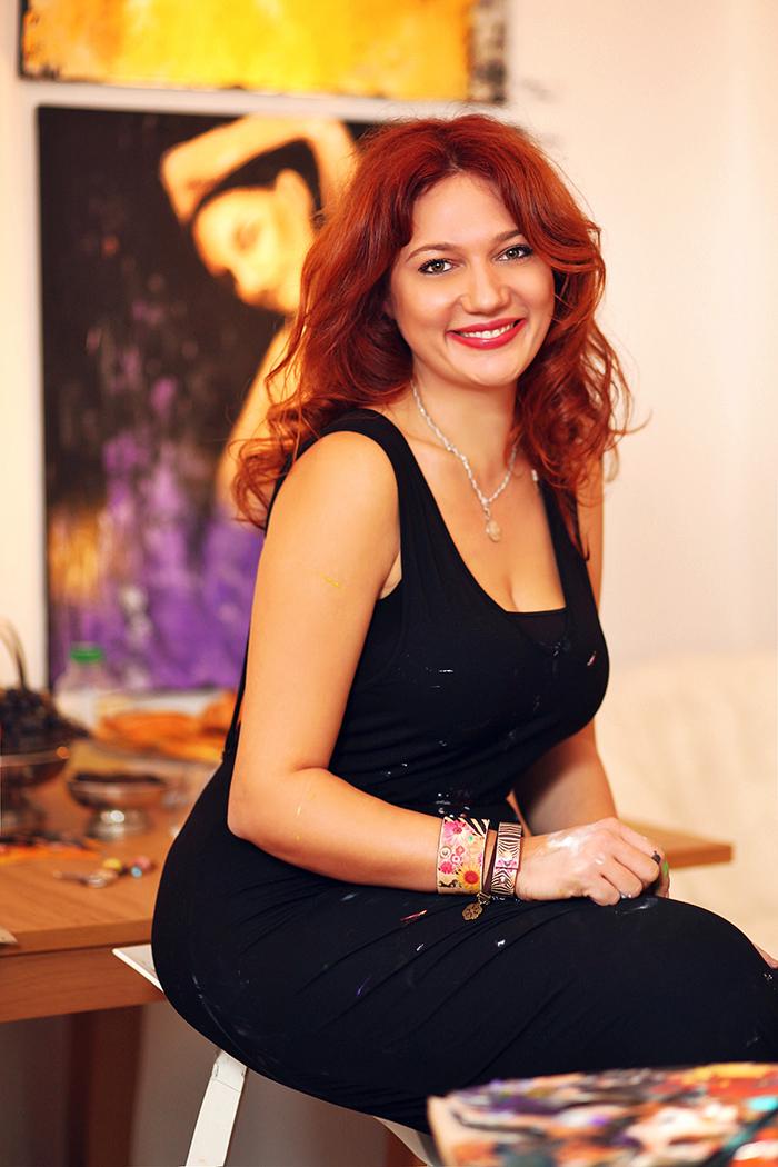 Miruna Cijanu in her atelier