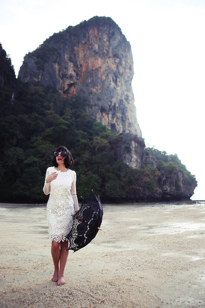 Morodan-wearing-a-beautiful-white-dress-in-Thai3