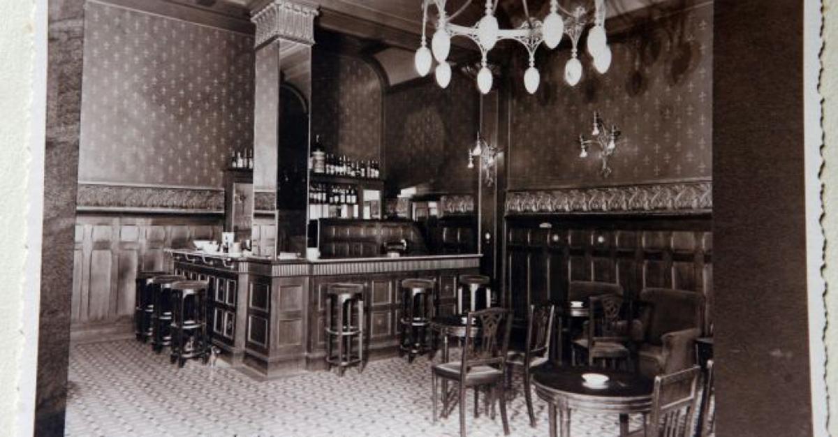 english-bar-1916